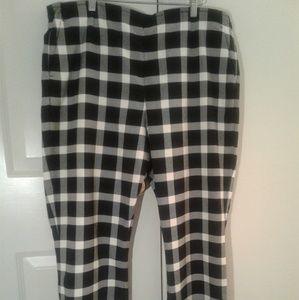 Gap Women's High Rise Checkered Flare Pants